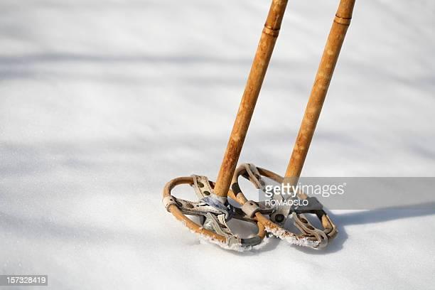 Antikes ski-Stöcke im Schnee, Norwegen