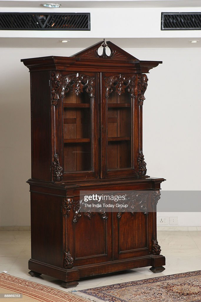 Antique Vanity Mirror By Ravissant At New Freinds Colony In New News Photo Getty Images