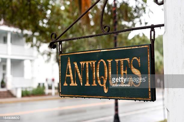 Antiquitäten-Schild