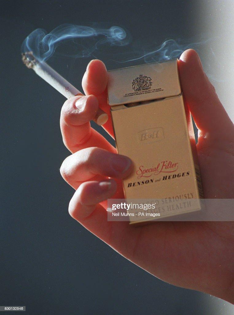 ROYAL Smoking 2 : News Photo