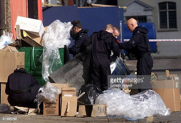 Antiterrorist police search the streets and garbage bins surrounding the headquarters of Britain's Foreign Intelligence service MI6 21 September 2000...