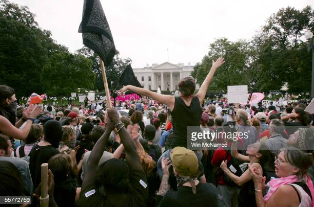 Antiwar protesters demonstrate in front of the White House September 26 2005 in Washington DC Cindy Sheehan whose son was killed in Iraq was the...
