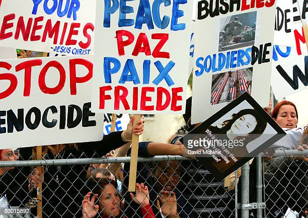 Antiwar protestors demonstrate among the Jackson fans as Michael Jackson arrives for his child molestation trial at the Santa Barbara County...