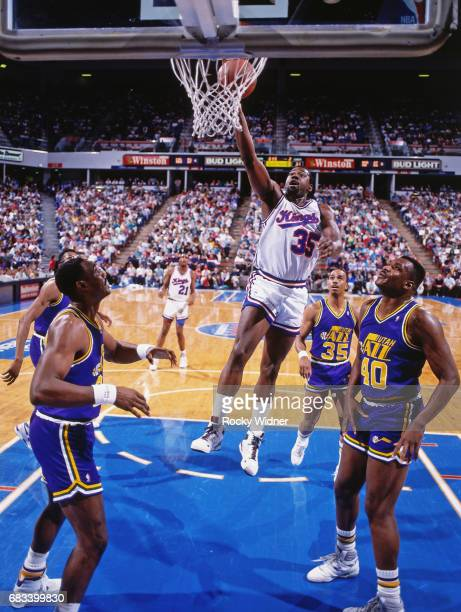 Antoine Carr of the Sacramento Kings goes to the basket circa 1990 at Arco Arena in Sacramento California NOTE TO USER User expressly acknowledges...