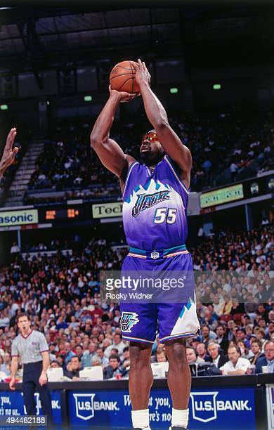 Antoine Carr of the Utah Jazz shoots against the Sacramento Kings circa 1997 at Arco Arena in Sacramento California NOTE TO USER User expressly...
