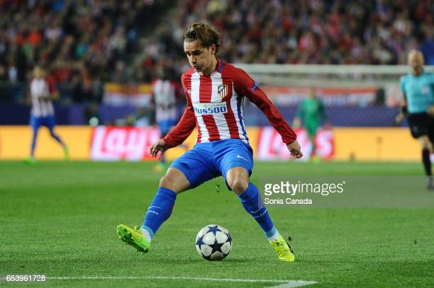 Antoine Griezmann #7 of Atletico de Madrid during the UEFA Champions League Round of 16 second leg match between Club Atletico de Madrid and Bayer...