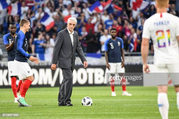Antoine Griezmann and Former France World Cup Winning coach Aime Jacquet during the International Friendly match between France and United States at...