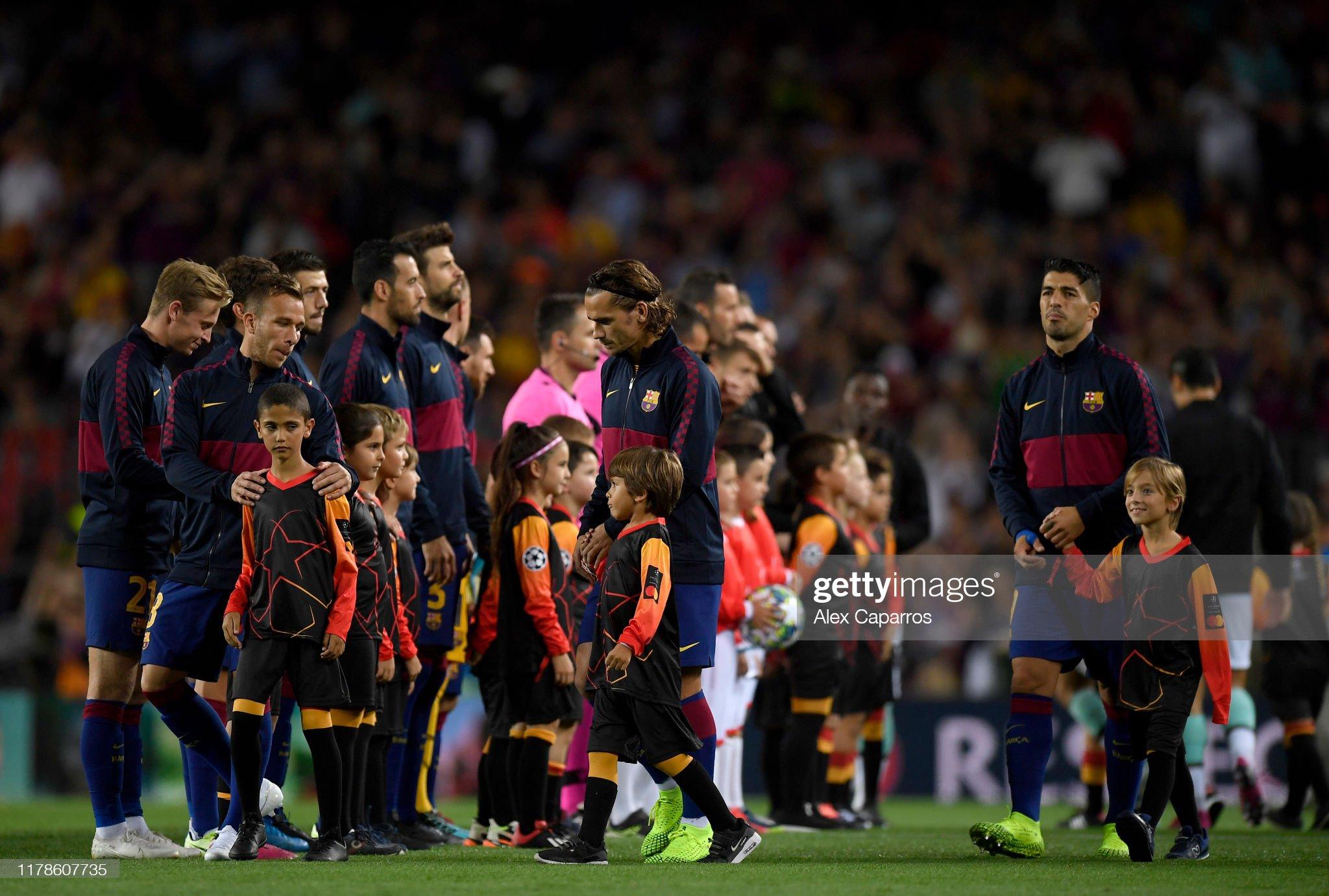 صور مباراة : برشلونة - إنتر 2-1 ( 02-10-2019 )  Antoine-griezmann-and-luis-suarez-of-fc-barcelona-make-their-way-out-picture-id1178607735?s=2048x2048