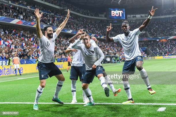 Antoine Griezmann and team of France celebrate during the International Friendly match between France and Italy at Allianz Riviera Stadium on June 1...