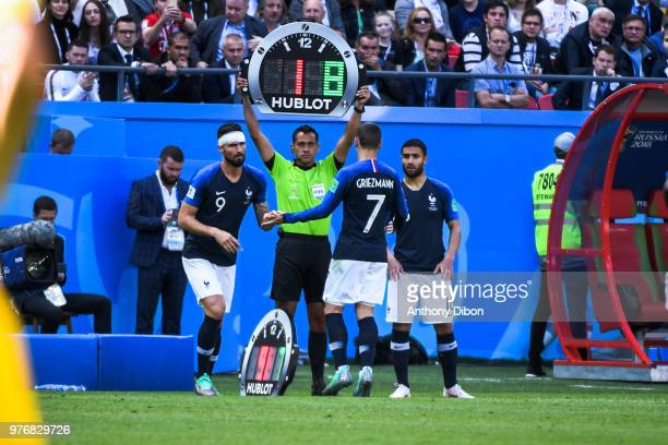 Antoine Griezmann is replaced by Olivier Giroud of France under the eyes of Nabil Fekir during the 2018 FIFA World Cup Russia group C match between...