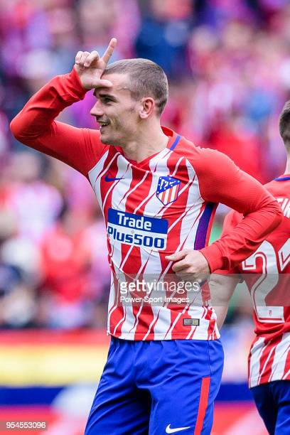 Antoine Griezmann of Atletico de Madrid celebrates after scoring his goal during the La Liga 201718 match between Atletico de Madrid and Levante UD...