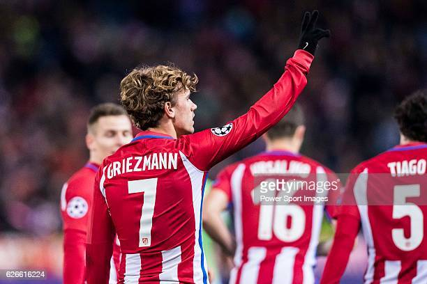 Antoine Griezmann of Atletico de Madrid celebrates during their 201617 UEFA Champions League match between Atletico de Madrid and PSV Eindhoven at...