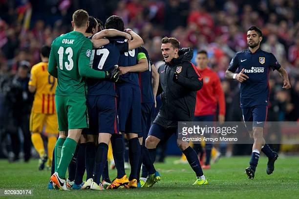 Antoine Griezmann of Atletico de Madrid celebrates their victory with teammates after the UEFA Champions League quarter final second leg match...