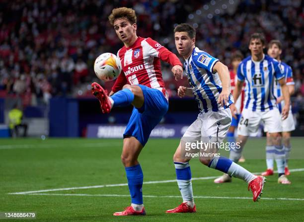 Antoine Griezmann of Atletico de Madrid controls the ball during the LaLiga Santander match between Club Atletico de Madrid and Real Sociedad at...