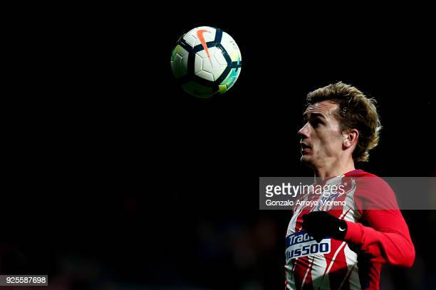 Antoine Griezmann of Atletico de Madrid controls the ball during the La Liga match between Club Atletico Madrid and CD Leganes at Estadio Wanda...
