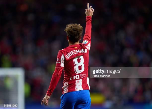Antoine Griezmann of Atletico de Madrid gestures during the LaLiga Santander match between Club Atletico de Madrid and Real Sociedad at Estadio Wanda...