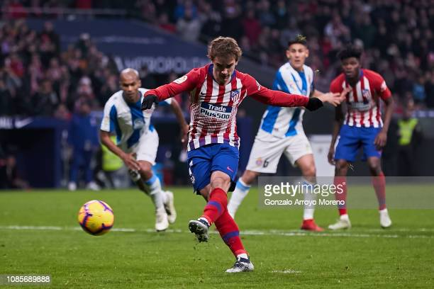 Antoine Griezmann of Atletico de Madrid scores the opening goal via penalty during the La Liga match between Club Atletico de Madrid and RCD Espanyol...