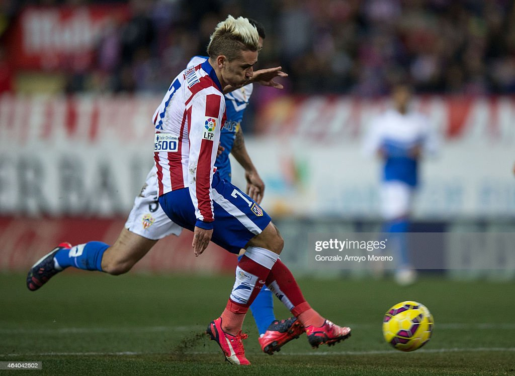 Antoine Griezmann of Atletico de Madrid scores their second goal during the La Liga match between Club Atletico de Madrid and UD Almeria at Vicente Calderon Stadium on February 21, 2015 in Madrid, Spain.