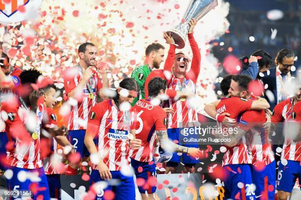 Antoine Griezmann of Atletico Madrid celebrate his victory with the trophy during the Europa League Final match between Marseille and Atletico Madrid...