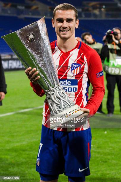 Antoine Griezmann of Atletico Madrid celebrates the championship with the trophy during the UEFA Europa League match between Olympique Marseille v...