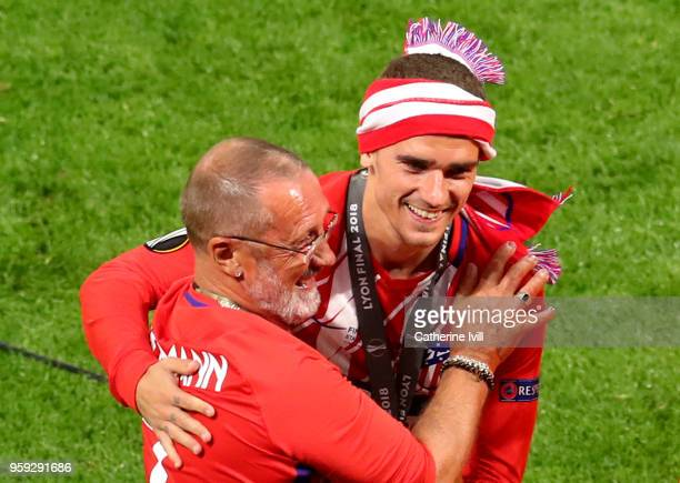 Antoine Griezmann of Atletico Madrid celebrates with his father Alain Griezmann following the UEFA Europa League Final between Olympique de Marseille...
