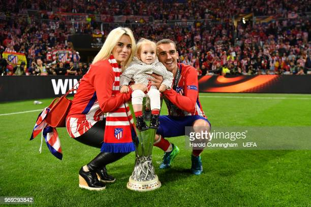 Antoine Griezmann of Atletico Madrid celebrates with his partner and daughter after winning the UEFA Europa League Final between Olympique de...