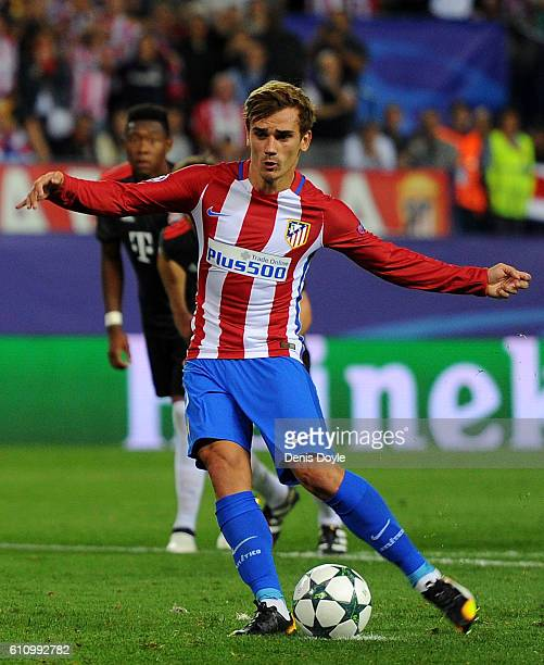 Antoine Griezmann of Atletico Madrid misses a penalty during the UEFA Champions League group D match between Club Atletico de Madrid and FC Bayern...