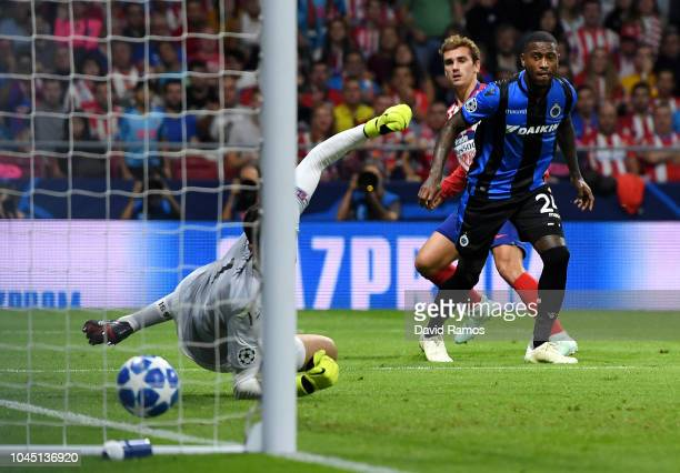 Antoine Griezmann of Atletico Madrid scores his team's first goal during the Group A match of the UEFA Champions League between Club Atletico de...