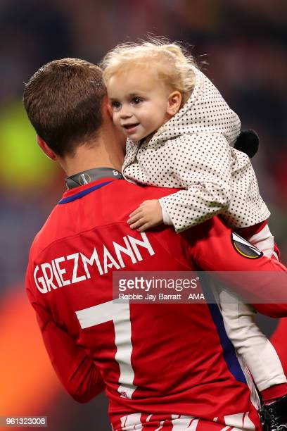Antoine Griezmann of Atletico Madrid with his daughter during the UEFA Europa League Final between Olympique de Marseille and Club Atletico de Madrid...
