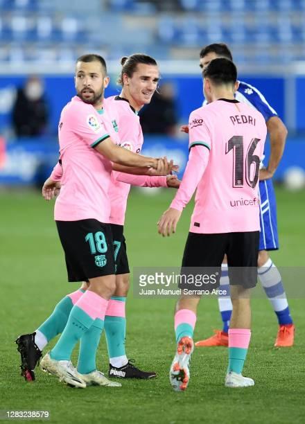 Antoine Griezmann of Barcelona celebrates after he scores his sides 1st goal during the La Liga Santander match between Deportivo Alavés and FC...