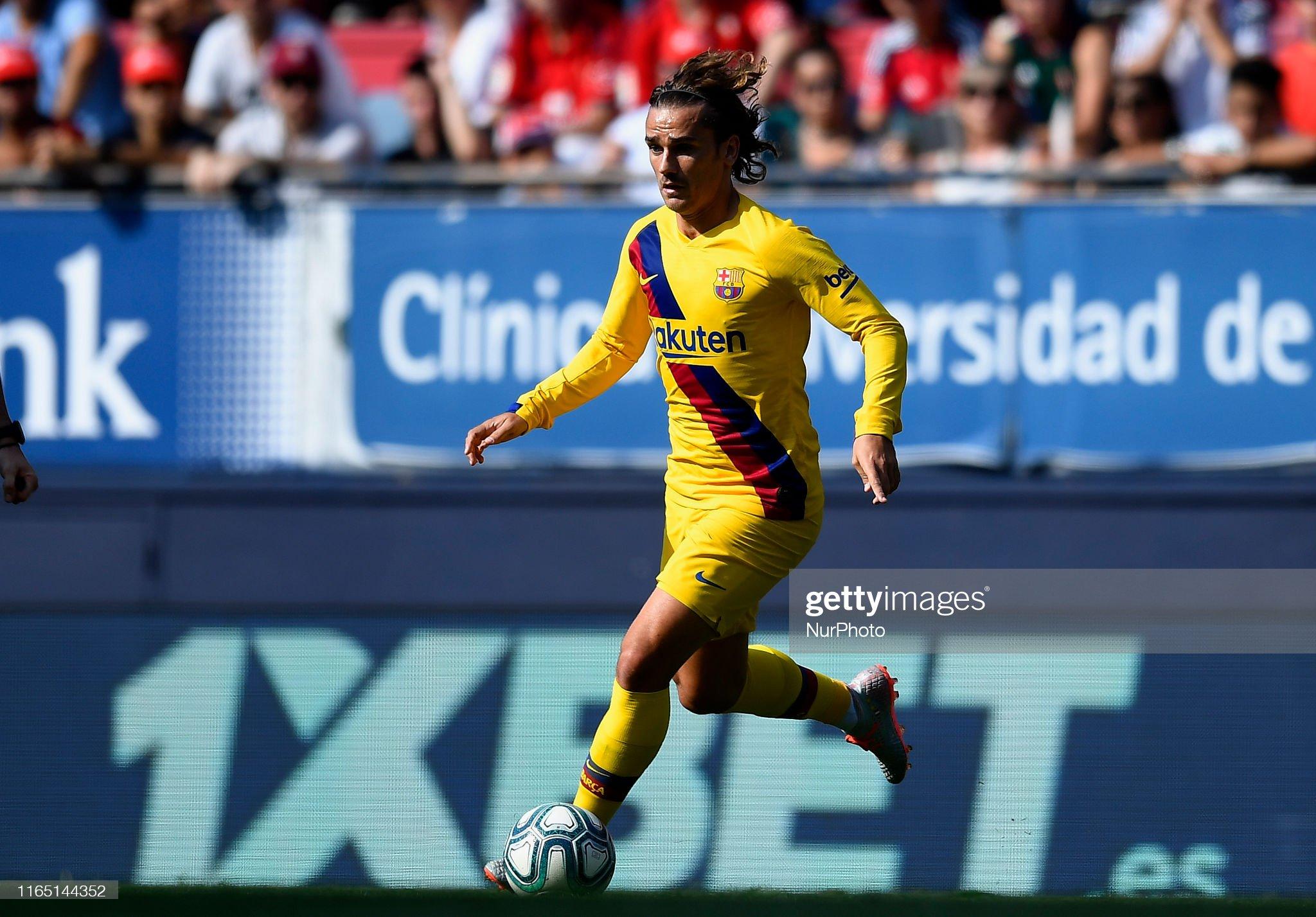 صور مباراة : أوساسونا - برشلونة 2-2 ( 31-08-2019 )  Antoine-griezmann-of-barcelona-controls-the-ball-during-the-liga-ca-picture-id1165144352?s=2048x2048