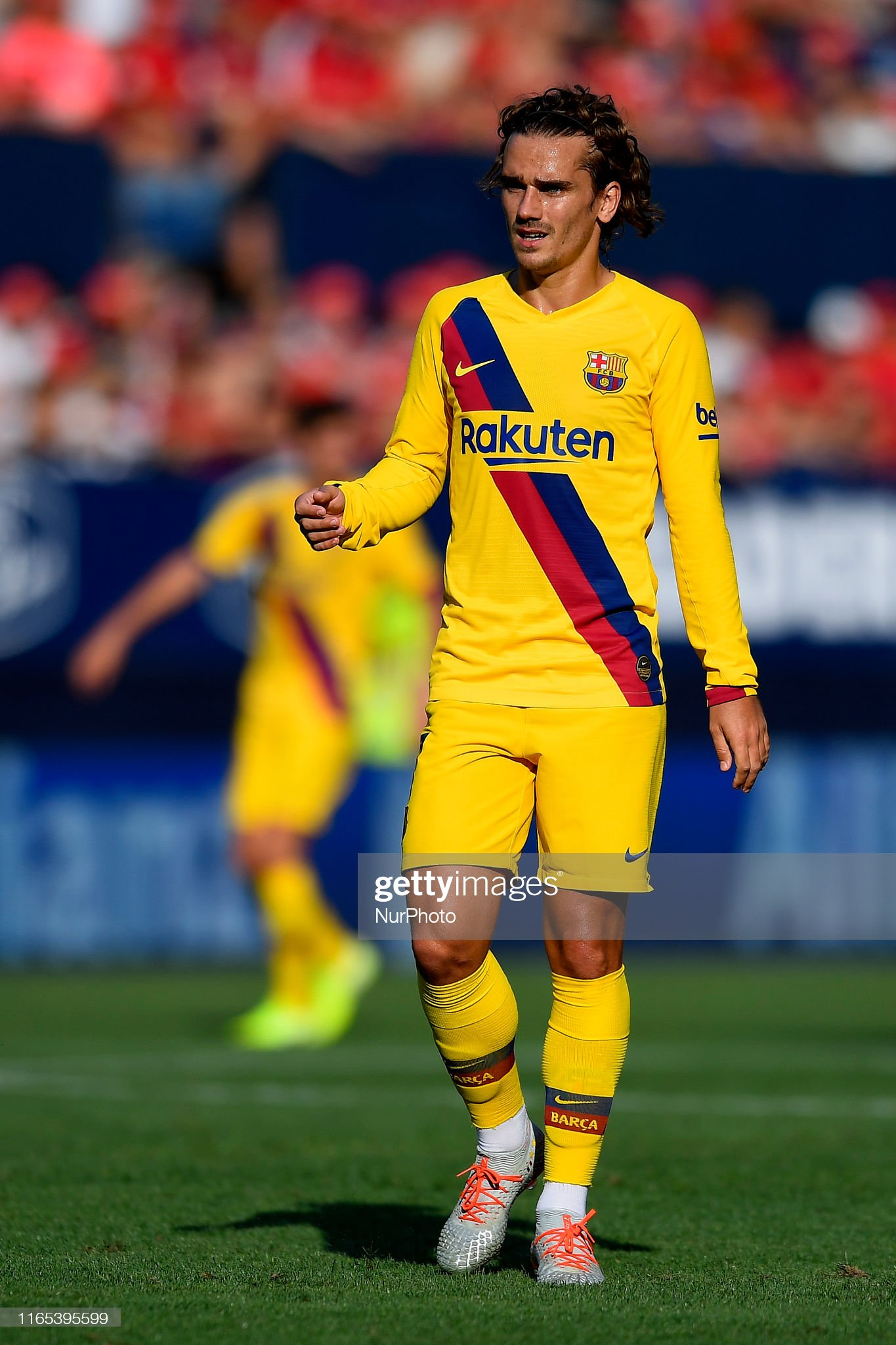 صور مباراة : أوساسونا - برشلونة 2-2 ( 31-08-2019 )  Antoine-griezmann-of-barcelona-during-the-liga-match-between-ca-and-picture-id1165395599?s=2048x2048