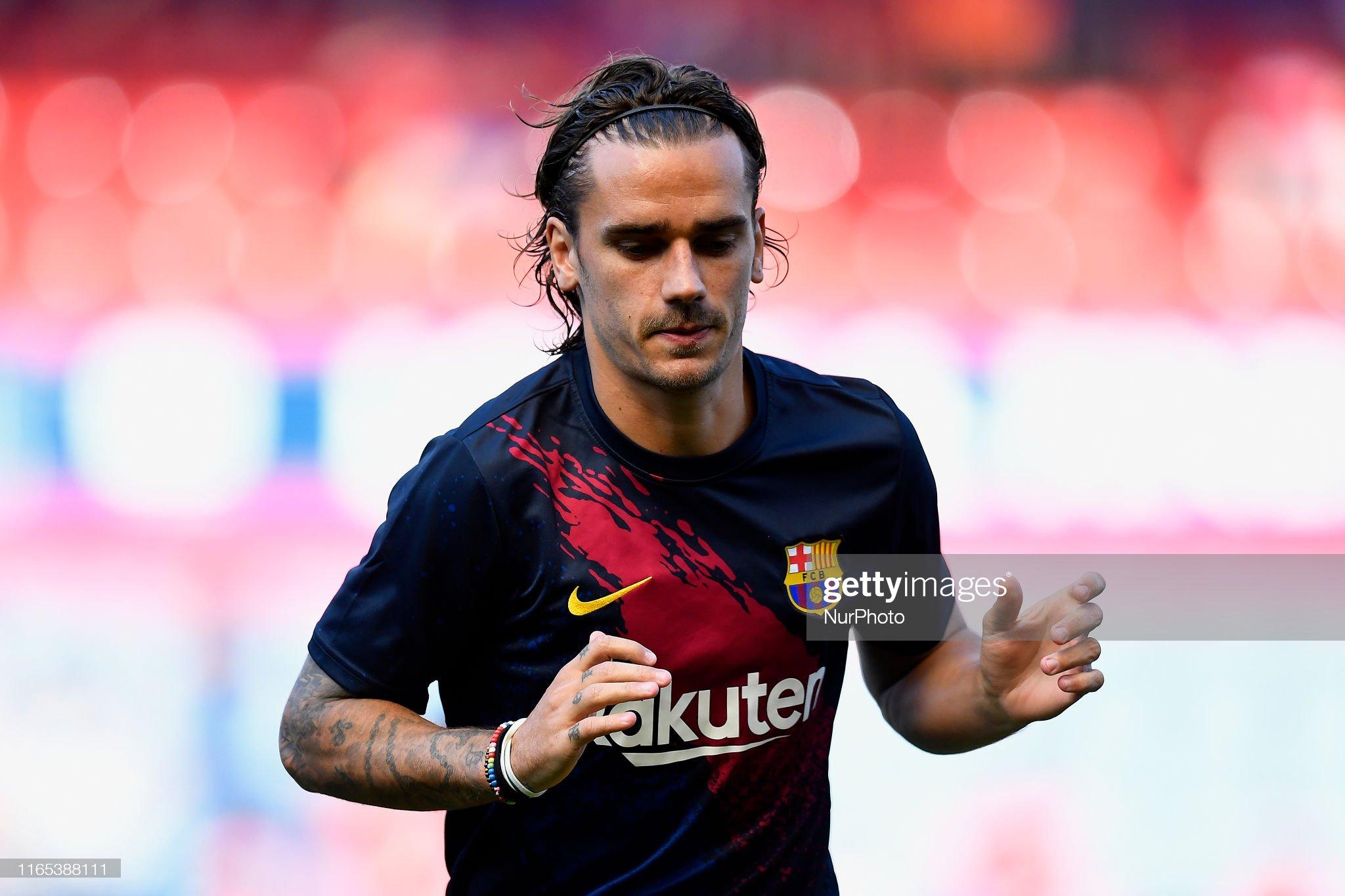 صور مباراة : أوساسونا - برشلونة 2-2 ( 31-08-2019 )  Antoine-griezmann-of-barcelona-during-the-warmup-before-the-liga-ca-picture-id1165388111?s=2048x2048