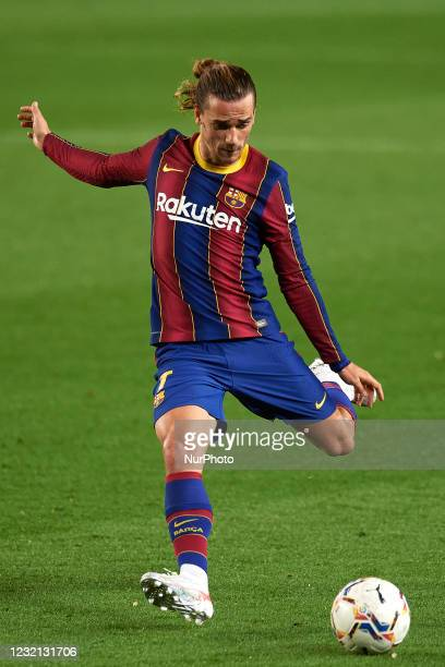 Antoine Griezmann of Barcelona shooting to goal during the La Liga Santander match between FC Barcelona and Real Valladolid CF at Camp Nou on April...
