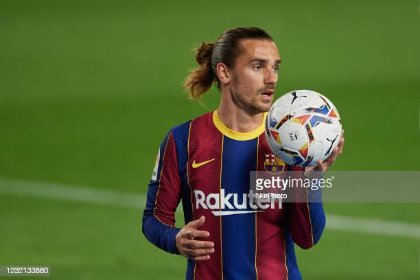 Antoine Griezmann of Barcelona with the ball during the La Liga Santander match between FC Barcelona and Real Valladolid CF at Camp Nou on April 5,...
