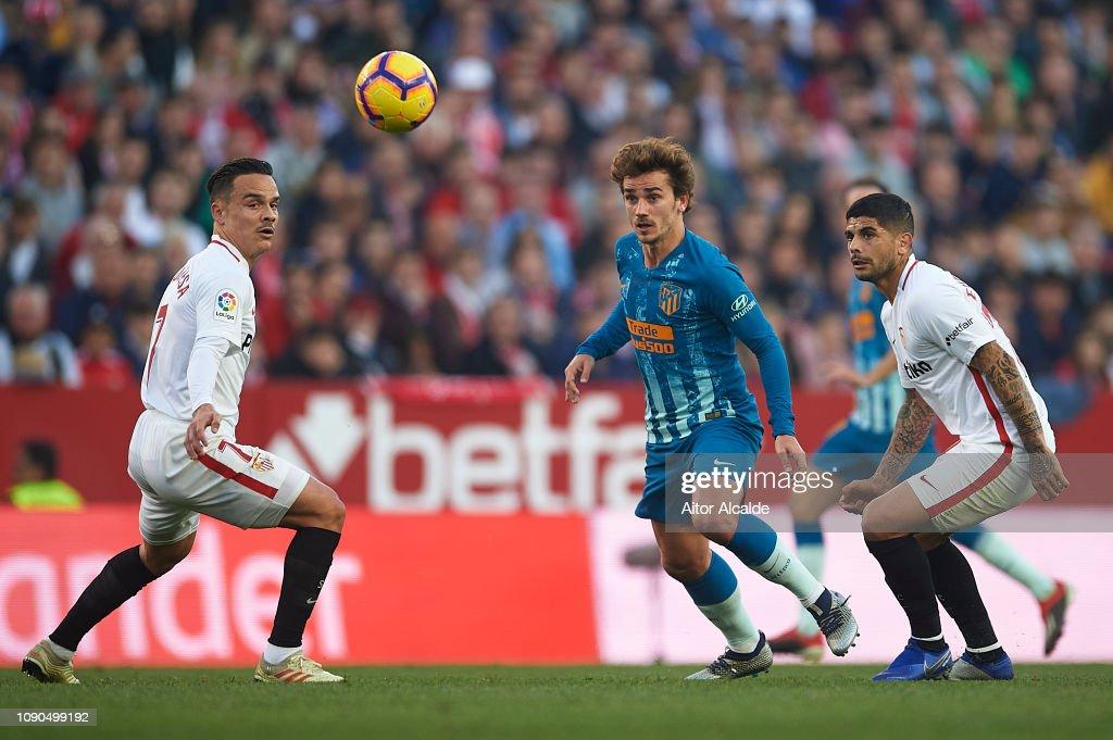 Sevilla FC v  Club Atletico de Madrid - La Liga : Fotografía de noticias