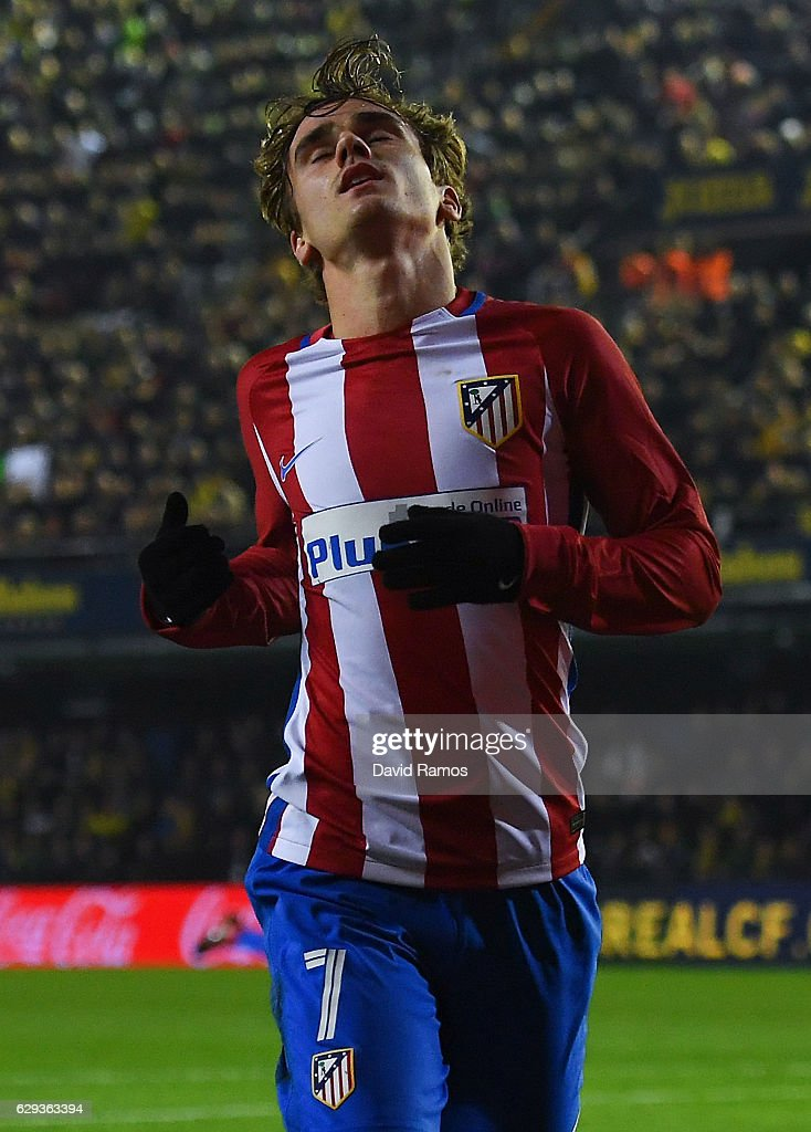 Antoine Griezmann of Club Atletico de Madrid reacts after missing a chance to score during the La Liga match between Villarreal CF and Club Atletico de Madrid at El Madrigal stadium on December 12, 2016 in Villarreal, Spain.
