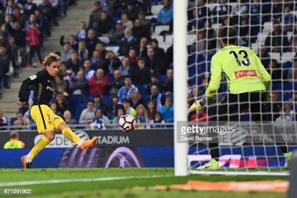 Antoine Griezmann of Club Atletico de Madrid scores the opening goal during the La Liga match between RCD Espanyol and Club Atletico de Madrid at the...