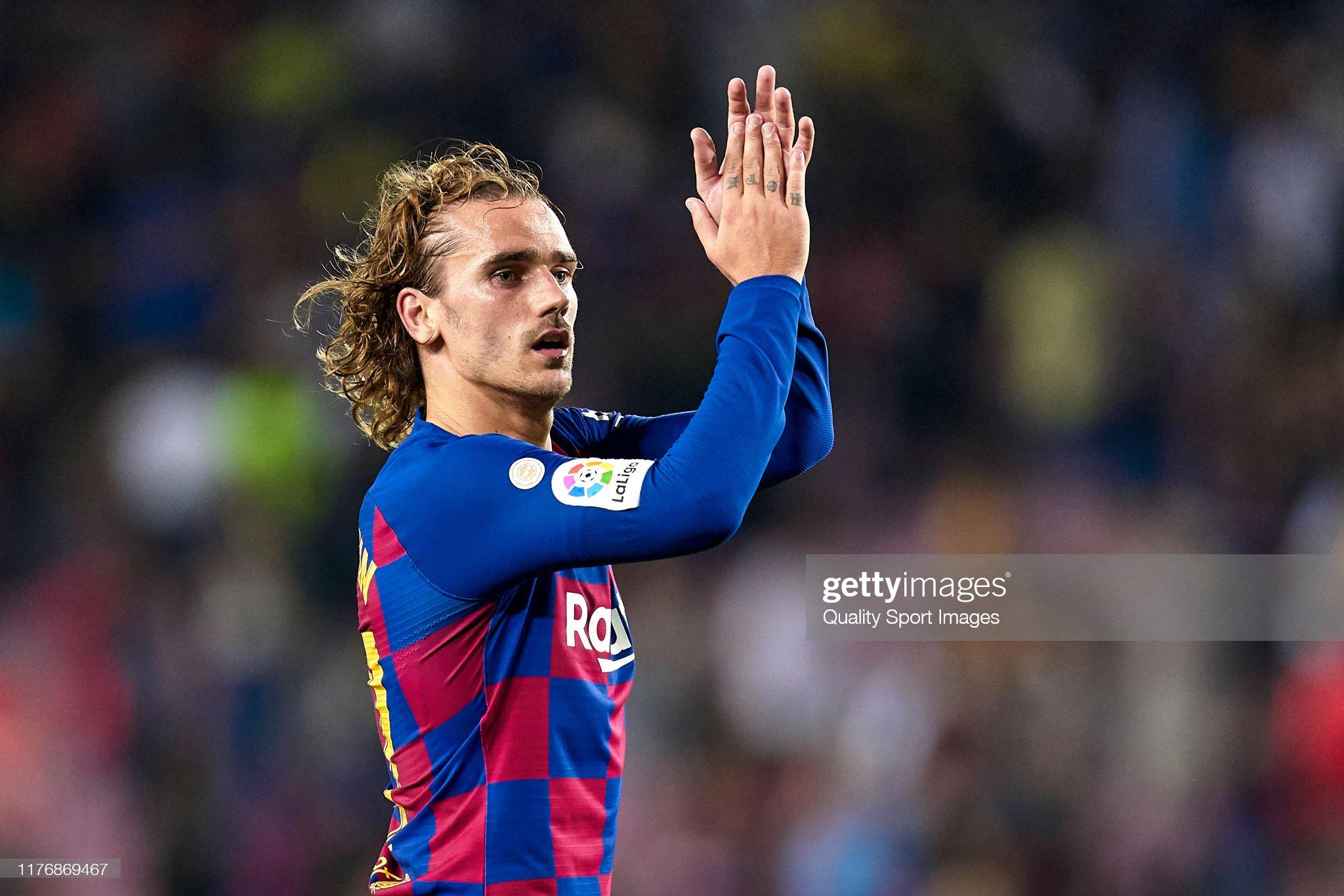 صور مباراة : برشلونة - فياريال 2-1 ( 24-09-2019 )  Antoine-griezmann-of-fc-barcelona-acknowledges-the-supporters-at-the-picture-id1176869467?s=2048x2048