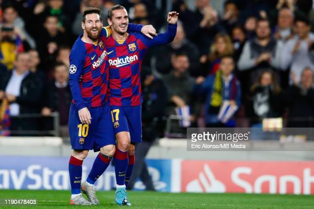 Antoine Griezmann of FC Barcelona celebrates the 30 with Lionel Messi of FC Barcelona during the UEFA Champions League group F match between FC...