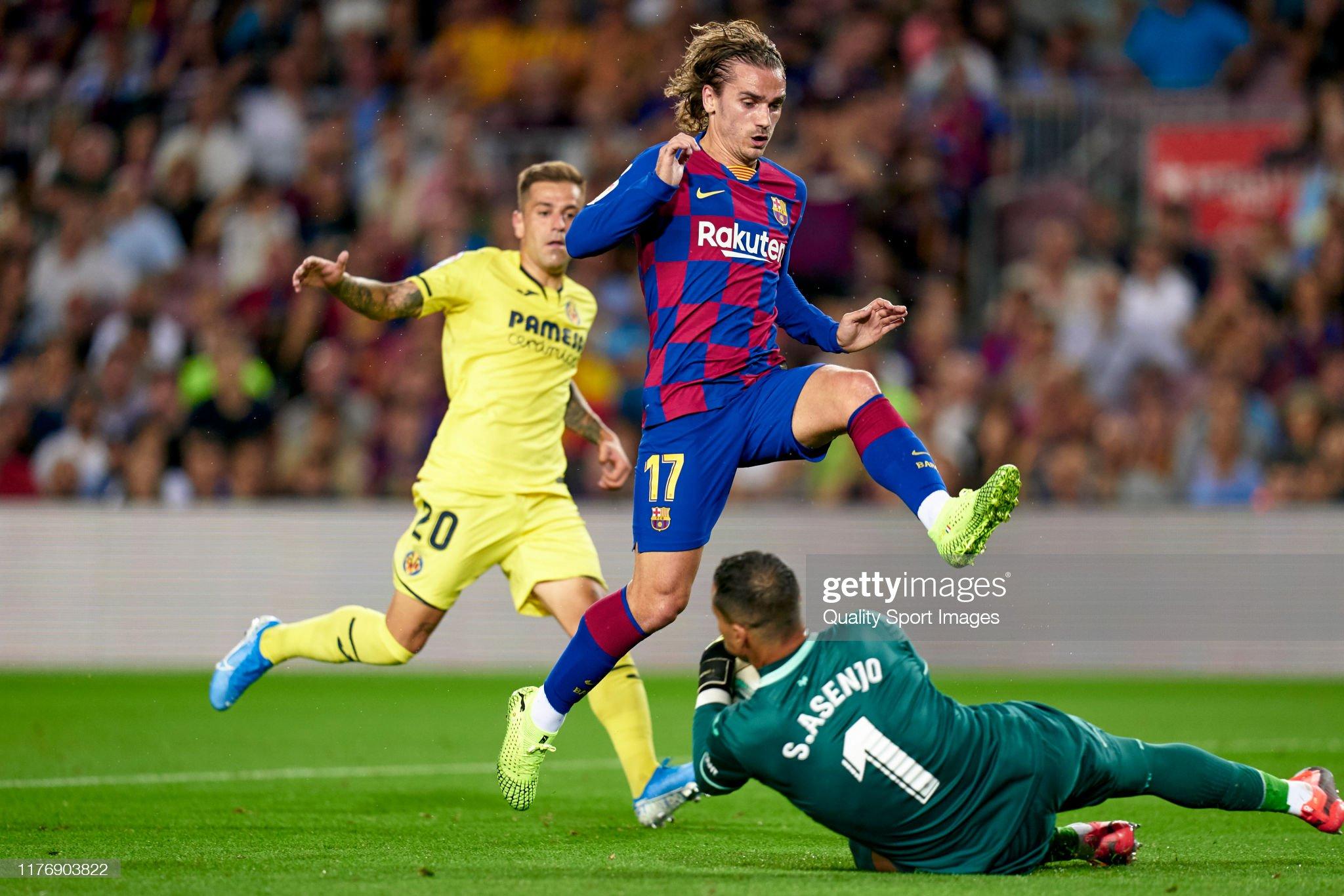 صور مباراة : برشلونة - فياريال 2-1 ( 24-09-2019 )  Antoine-griezmann-of-fc-barcelona-competes-for-the-ball-with-sergio-picture-id1176903822?s=2048x2048
