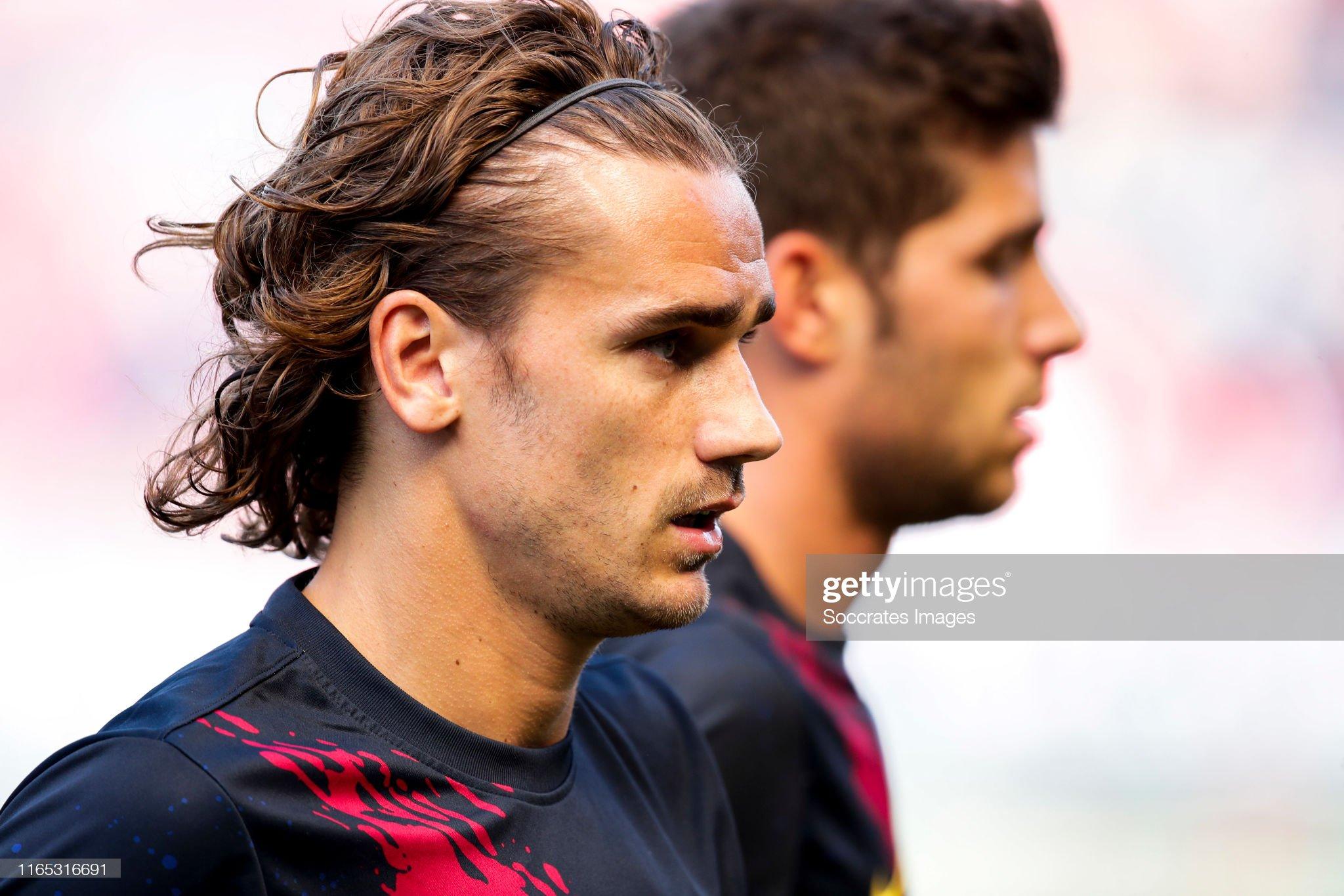 صور مباراة : أوساسونا - برشلونة 2-2 ( 31-08-2019 )  Antoine-griezmann-of-fc-barcelona-during-the-la-liga-santander-match-picture-id1165316691?s=2048x2048