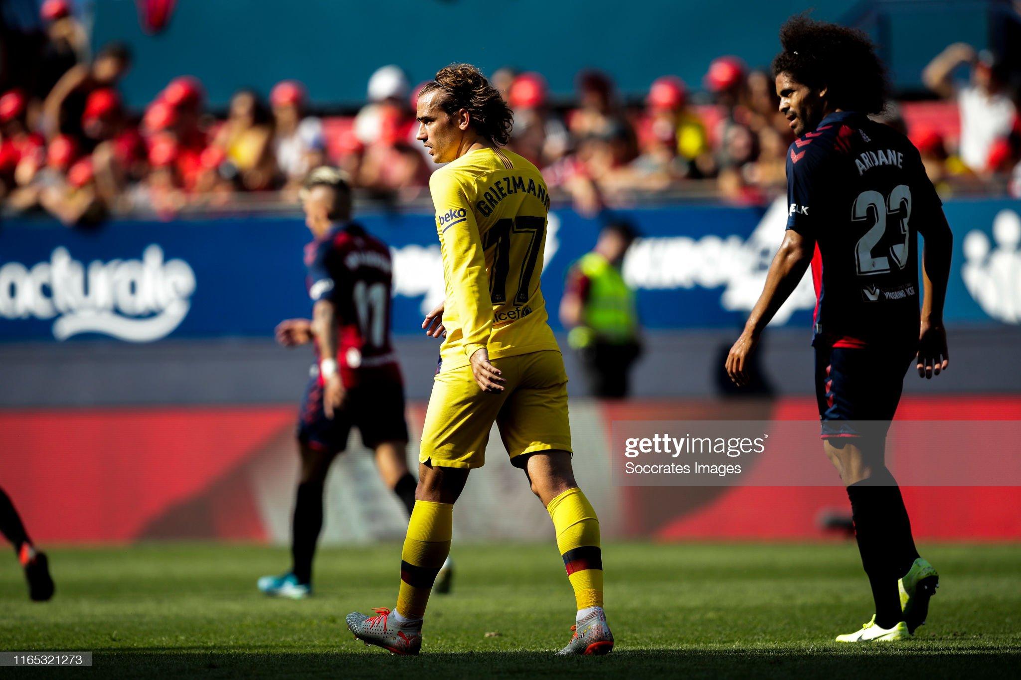 صور مباراة : أوساسونا - برشلونة 2-2 ( 31-08-2019 )  Antoine-griezmann-of-fc-barcelona-during-the-la-liga-santander-match-picture-id1165321273?s=2048x2048