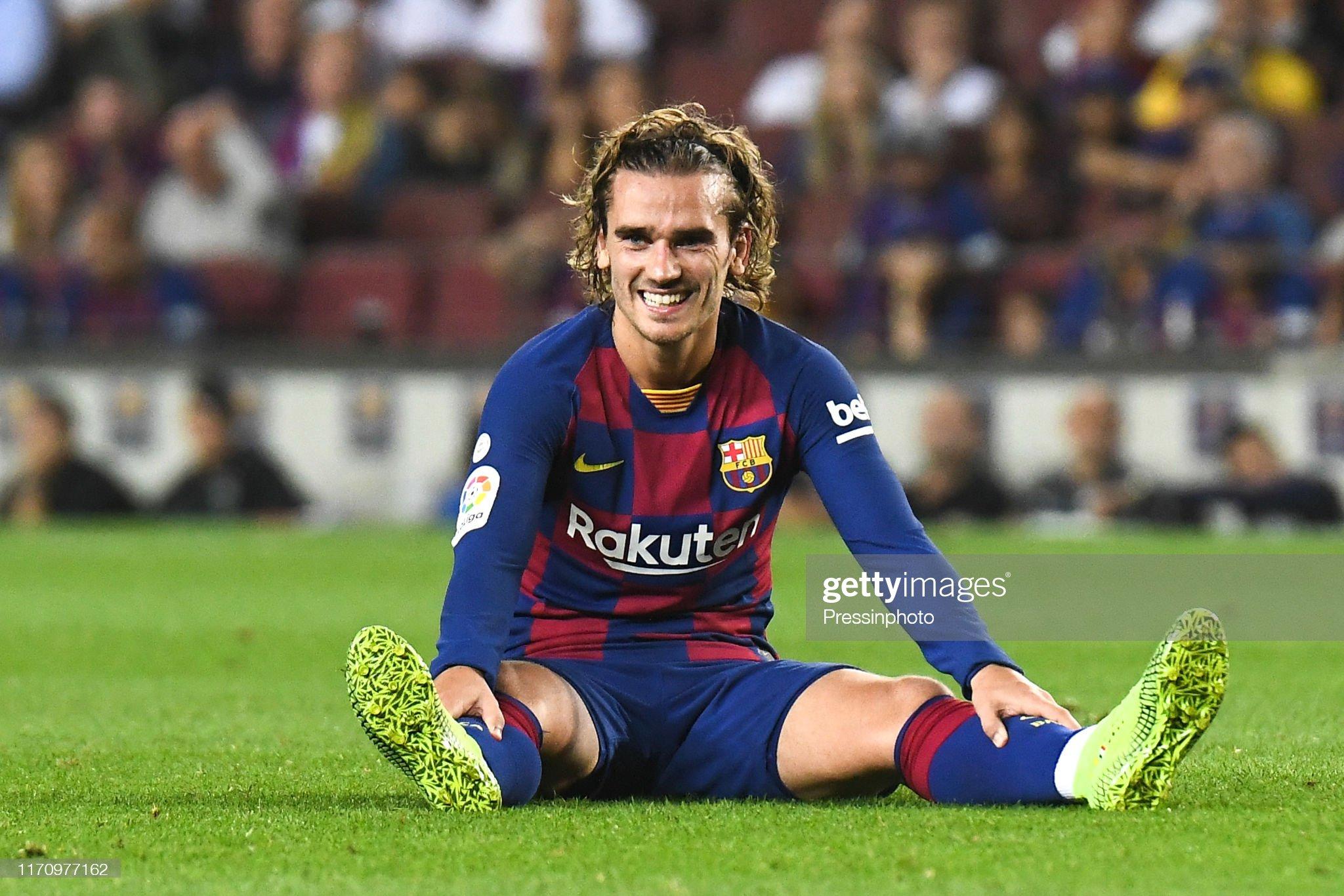 صور مباراة : برشلونة - فياريال 2-1 ( 24-09-2019 )  Antoine-griezmann-of-fc-barcelona-during-the-liga-match-between-and-picture-id1170977162?s=2048x2048
