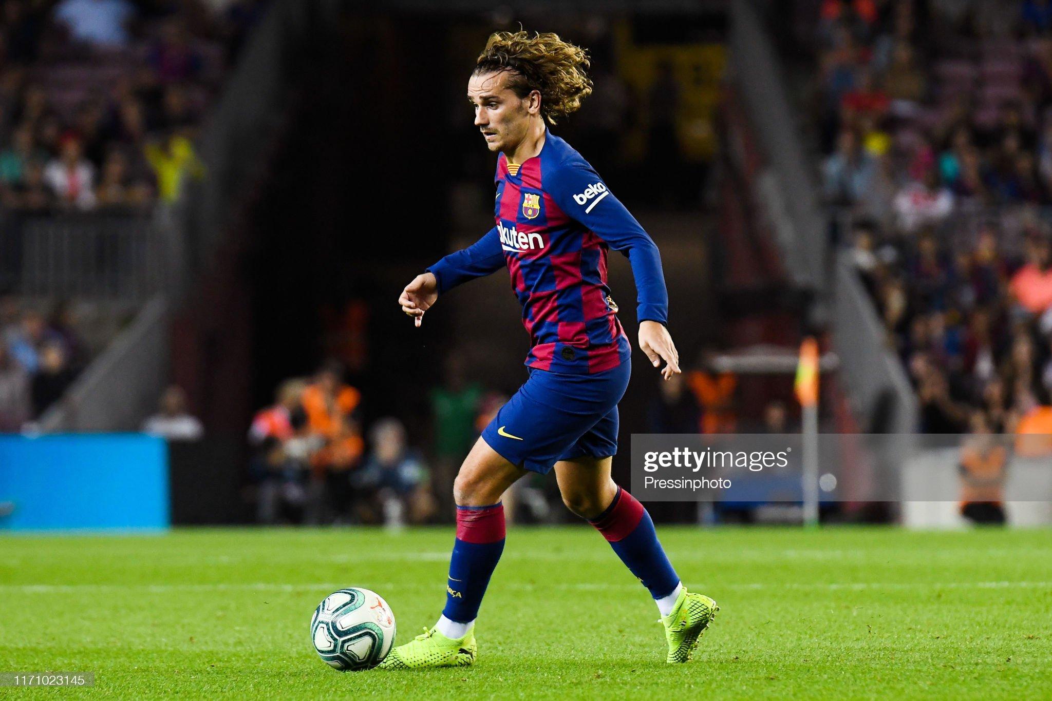 صور مباراة : برشلونة - فياريال 2-1 ( 24-09-2019 )  Antoine-griezmann-of-fc-barcelona-during-the-liga-match-between-and-picture-id1171023145?s=2048x2048