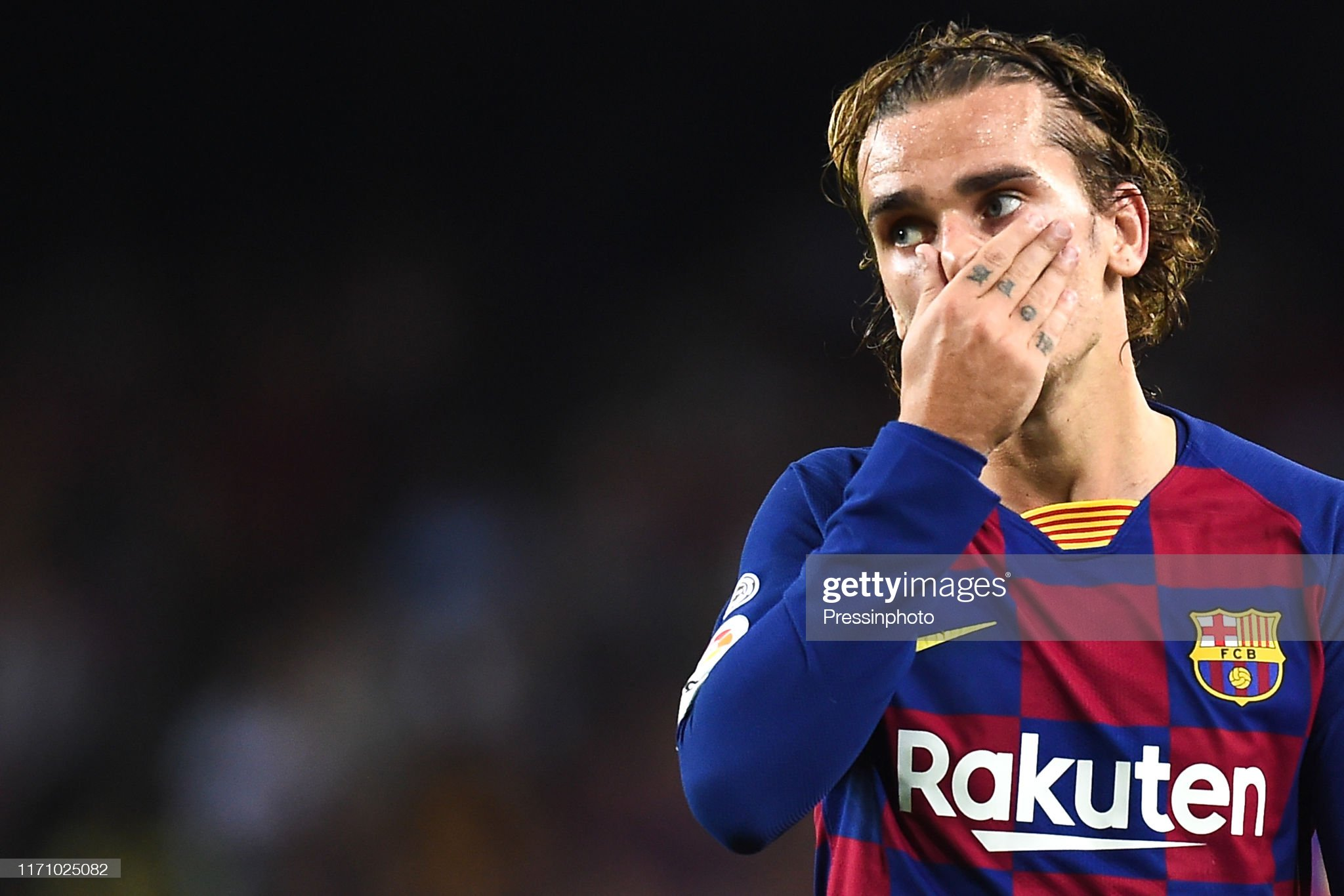 صور مباراة : برشلونة - فياريال 2-1 ( 24-09-2019 )  Antoine-griezmann-of-fc-barcelona-during-the-liga-match-between-and-picture-id1171025082?s=2048x2048
