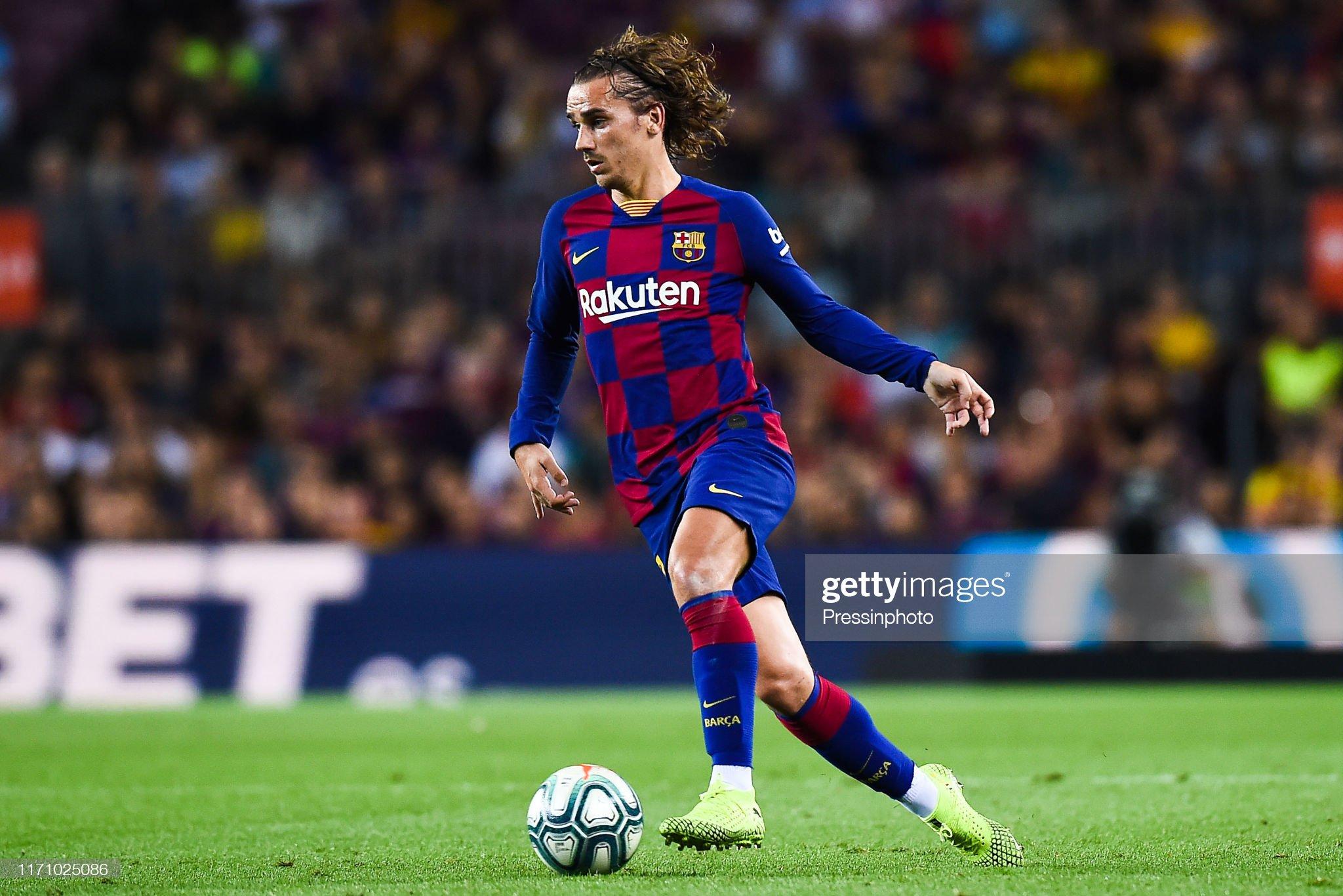 صور مباراة : برشلونة - فياريال 2-1 ( 24-09-2019 )  Antoine-griezmann-of-fc-barcelona-during-the-liga-match-between-and-picture-id1171025086?s=2048x2048