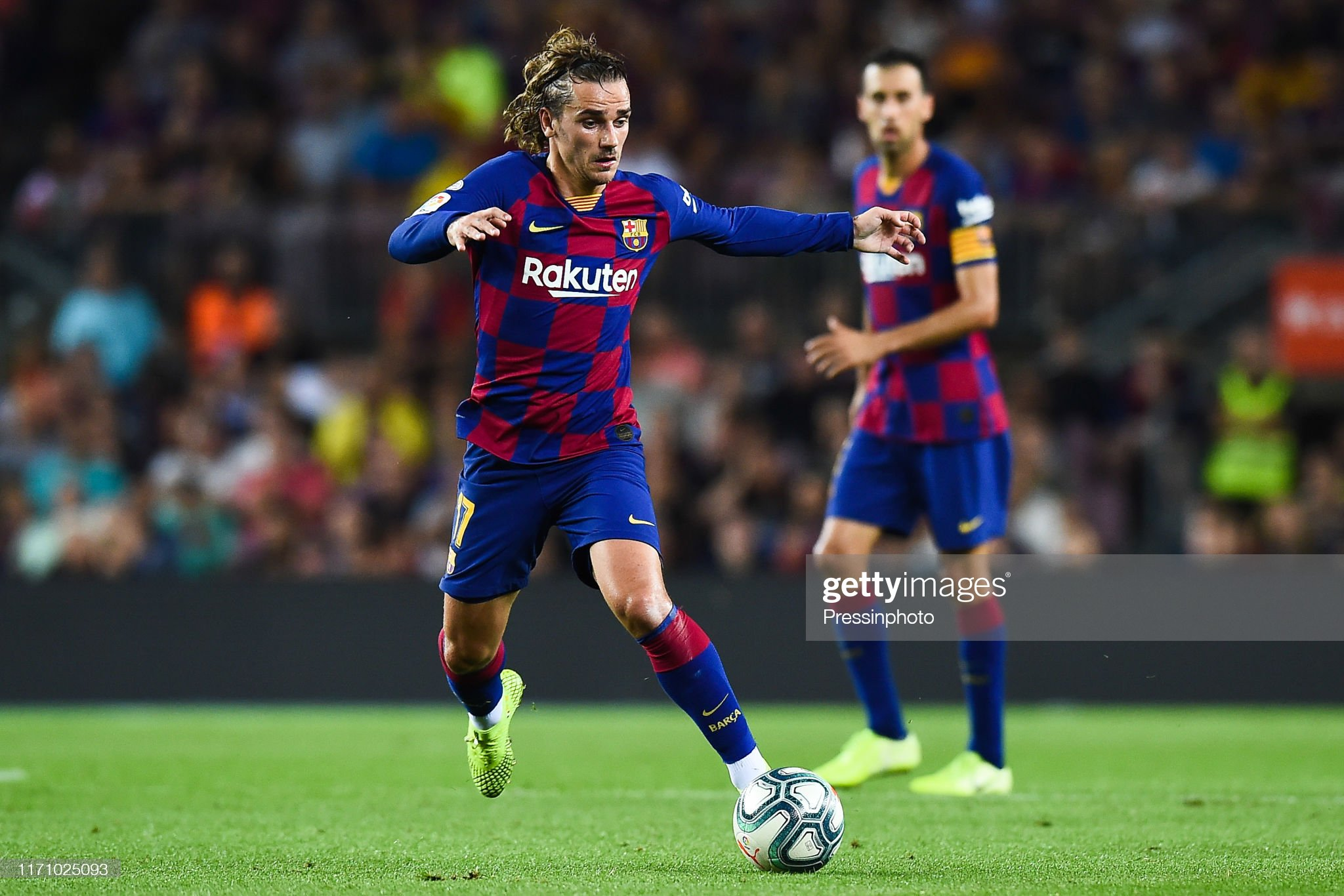 صور مباراة : برشلونة - فياريال 2-1 ( 24-09-2019 )  Antoine-griezmann-of-fc-barcelona-during-the-liga-match-between-and-picture-id1171025093?s=2048x2048