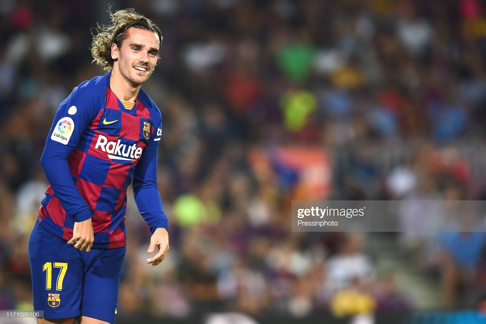 صور مباراة : برشلونة - فياريال 2-1 ( 24-09-2019 )  Antoine-griezmann-of-fc-barcelona-during-the-liga-match-between-and-picture-id1171025106?s=2048x2048