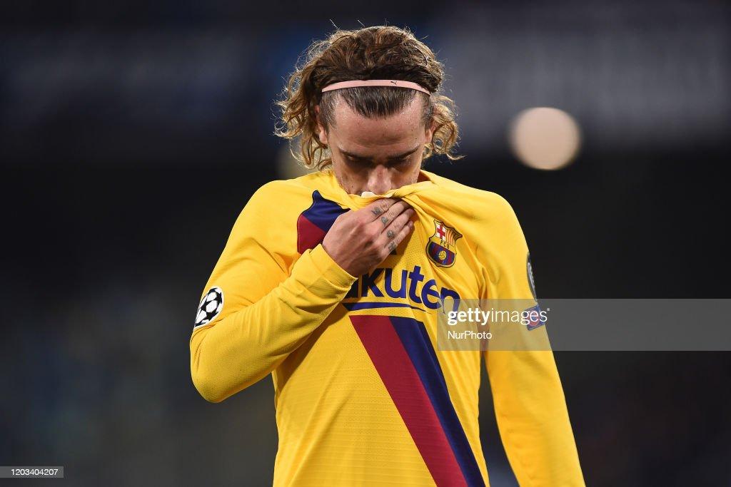 SSC Napoli v FC Barcelona  - UEFA Champions League : News Photo
